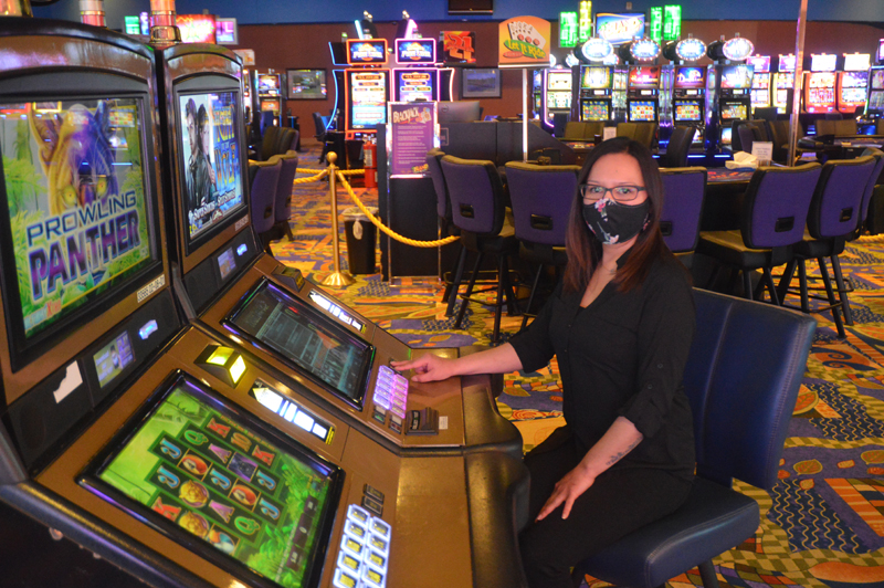Five Rules About Online Casino Meant To Be Damaged